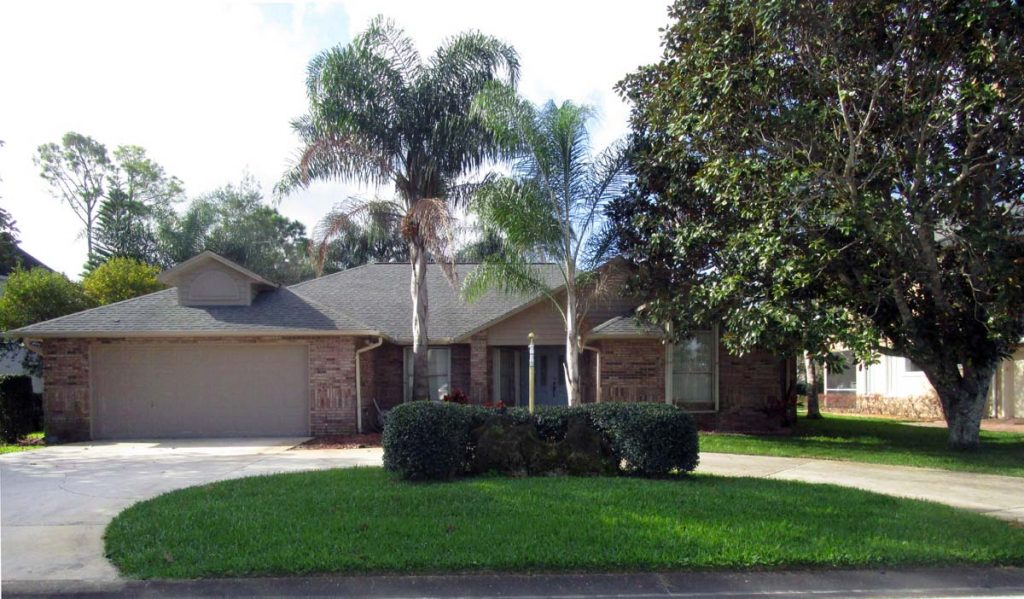 2009 Country Club Dr. Spruce Creek Golf Course Home For Sale