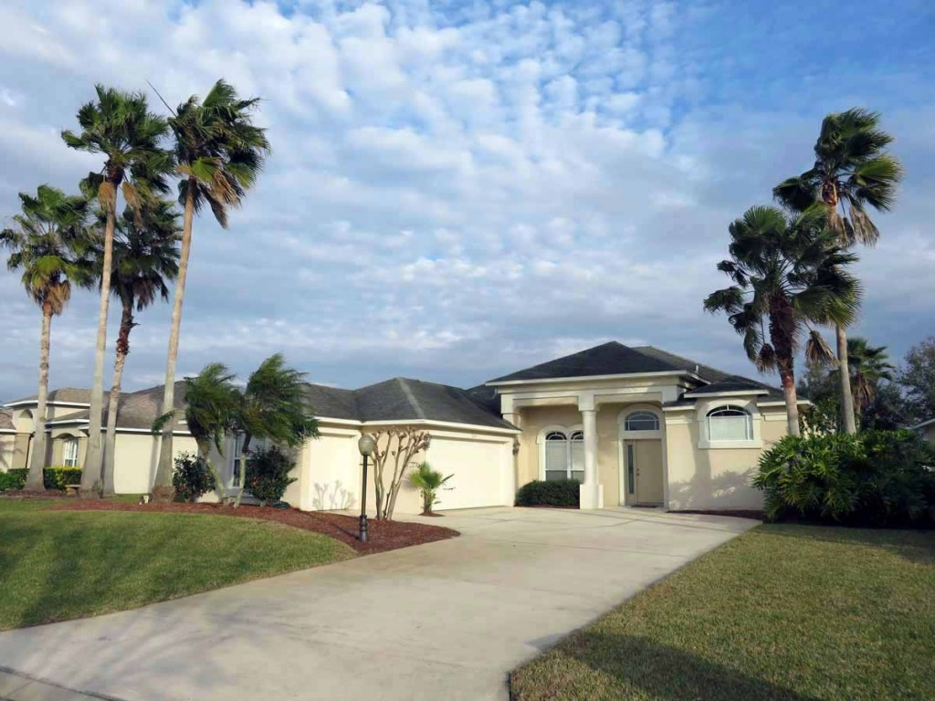 Spruce Creek Home For Sale at 3119 Waterway Place