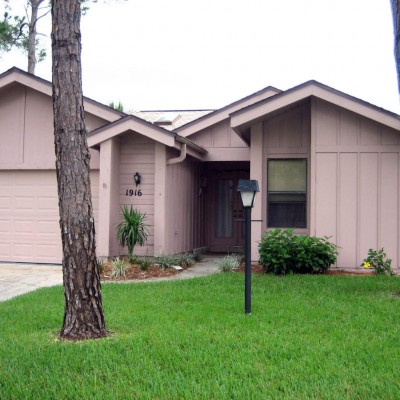 Spruce Creek Townhouse For Rent at 1916 Whisperwood Way