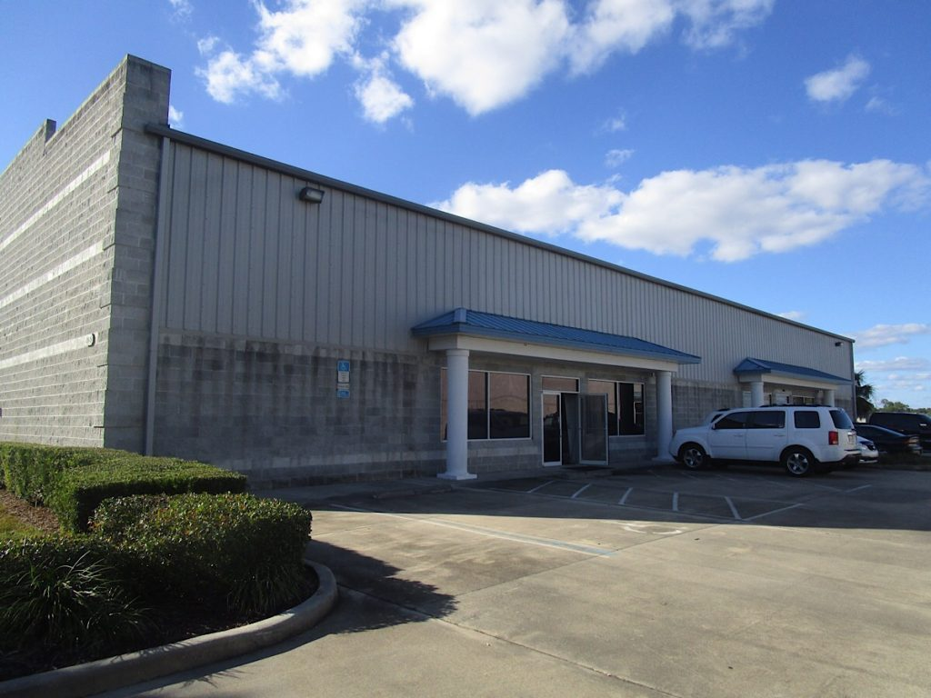 Hangar for sale in Deland