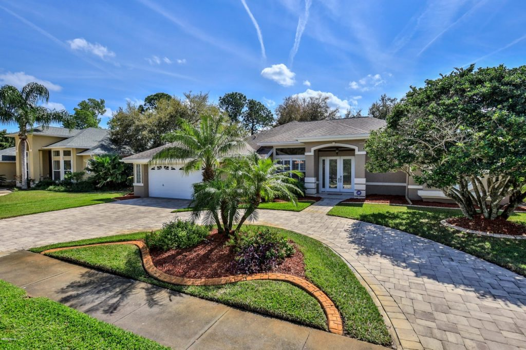 2916 Cypress Ridge Trl in Spruce Creek