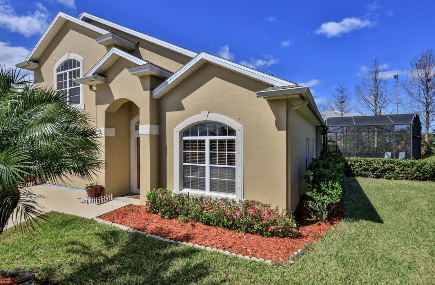 https://www.fly-in.com/5365-cordgrass-bend-lane-in-spruce-creek-mls-1068349/